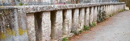 Erbarmungswürdige Klostermauer